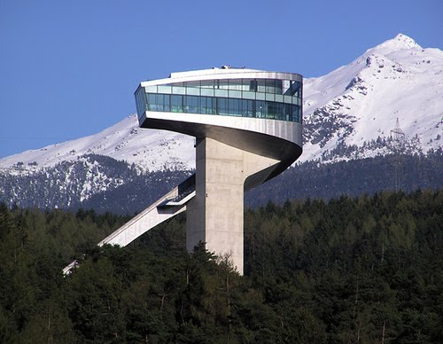 Plataforma de saltos de esquí Bergisel, Innsbruck, Austria