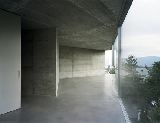 Casa con una Pared en Witikon, Zurich, Suiza, 2007, Christian Kerez