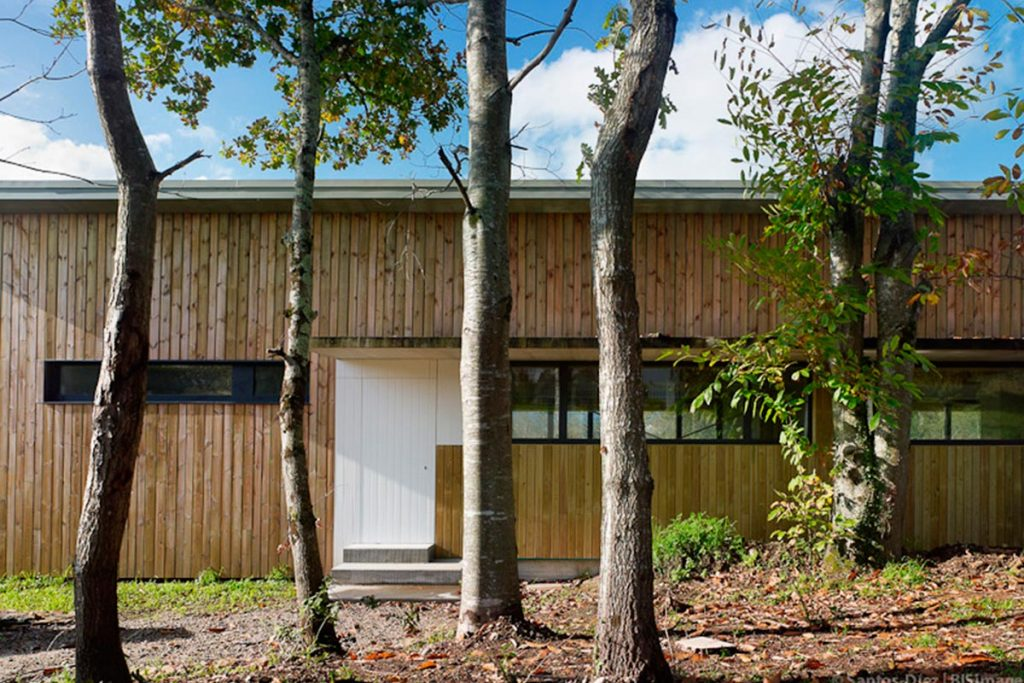 Vivienda sostenible en Teo (A Coruña), del estudio de arquitectos Iterare | Fotografía: Héctor Santos-Díez | BIS IMAGES