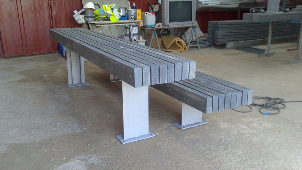 Mobiliario urbano fabricado con pl stico reciclado for Mobiliario exterior plastico
