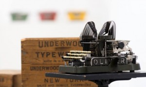 La máquina de escribir. Colección Sirvent
