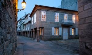 Aguirre House in Bayona | Carrascal Blas Arquitectos