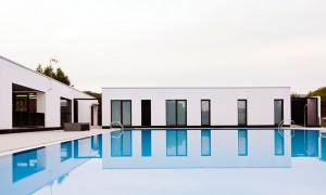 Reform of wardrobes and municipal swimming pool in Maceda | trespes.arquitectos