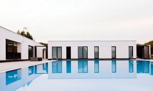Reforma de vestiarios e piscina municipal en Maceda | trespes.arquitectos