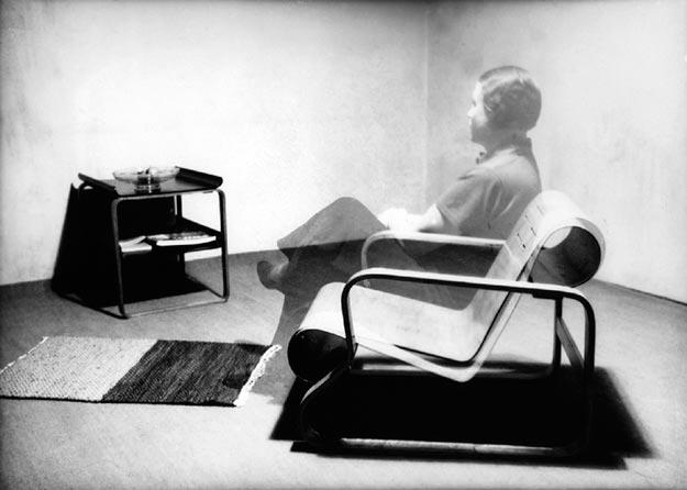 'Aino Aalto in Paimio chair', fotomontaje, década 1930 © Alvar Aalto Museum, Colección Artek VG Bild-Kunst, Bonn, 2014
