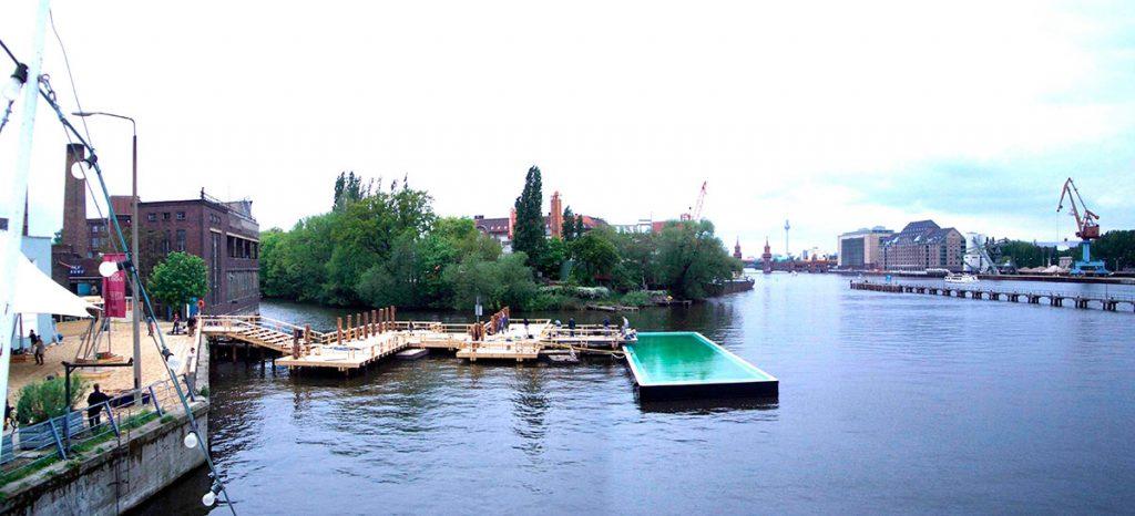 """""""Conexiones Construidas"""" ha reanimado la relación entre la ciudad y el río al proponer un nuevo lugar de ocio junto al antiguo muro de Berlín."""
