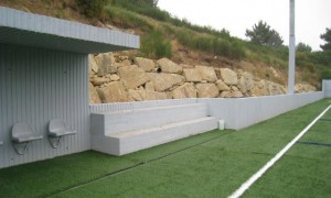 Reform and extension of the As Salinas Soccer field | Luis Gil+Cristina Nieto
