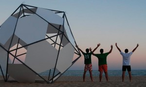 Monolith in the beach | Carlos Zurdo-Jesús Barrera-Domingo Barrios-Fernando Molina