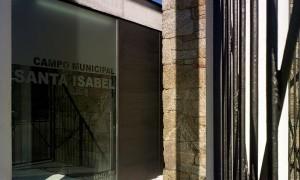 Reforma do campo de fútbol de Santa Isabel | Patricia Sabín - Enrique M. Blanco