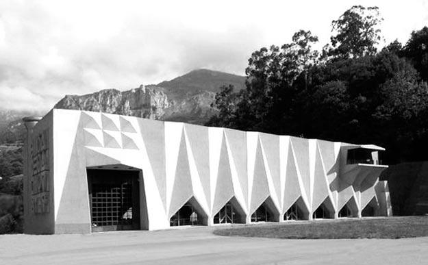 Central Hidroeléctrica Proaza / Joaquín Vaquero