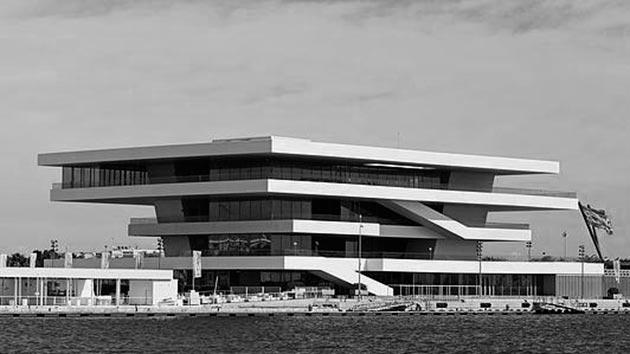 Edificio Veles e Vents, en la Marina Real de Valencia
