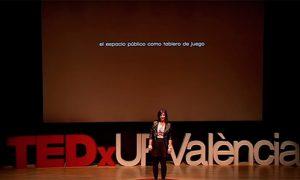 O espazo público como tableiro de xogo | Aida Navarro | TEDxUPValència.
