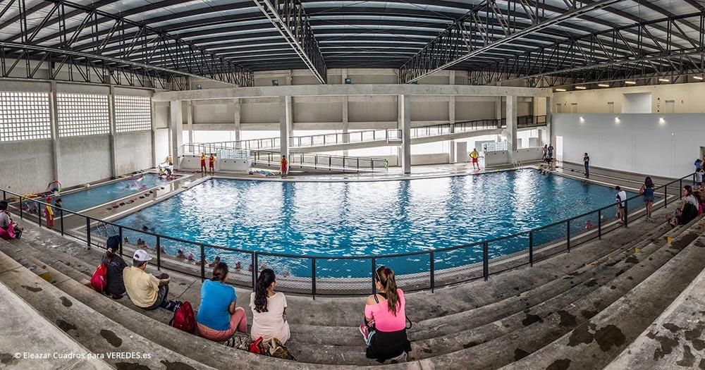 Parque zonal flor de amancaes aldo facho dede for Construccion piscina temperada