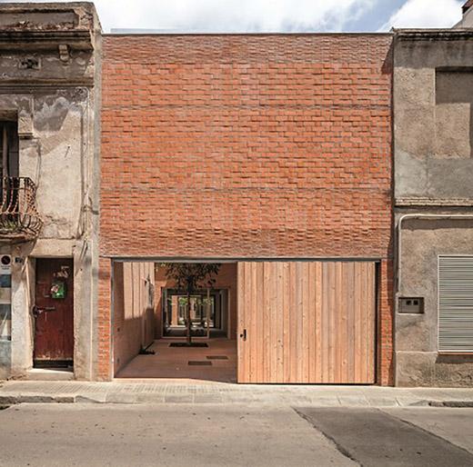 CASA 1014 (Barcelona). Arquitectos H ARQUITECTES. Foto Adrià Goula