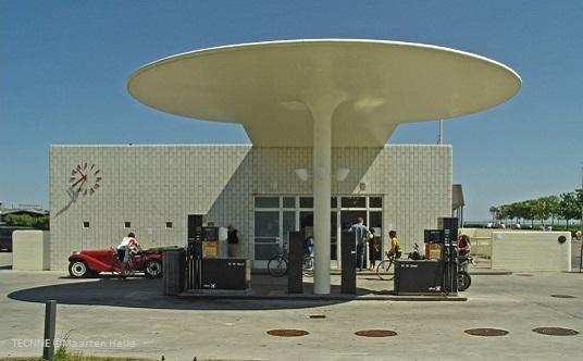 Oil Station Fotografía: Maarten Helle