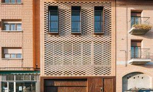 Vivenda sostible entre medianeras en Torrejón de Ardoz | Olalquiaga Arquitectos