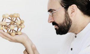 Enrique Barrera · Arquitecto, Deseñador, Interiorista, Director de Arte e profesor en ESNE