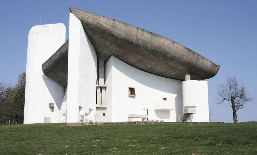 Capilla de Notre Dame du Haut en Ronchamp, Francia.