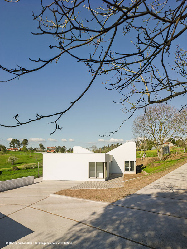 Escuela infantil en Oza-Cesures bals arquitectos o1 ext01