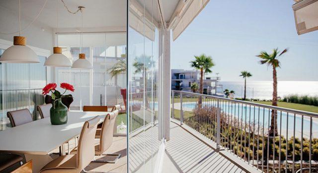 Cortinas de Cristal: recrea tu hogar con luz natural
