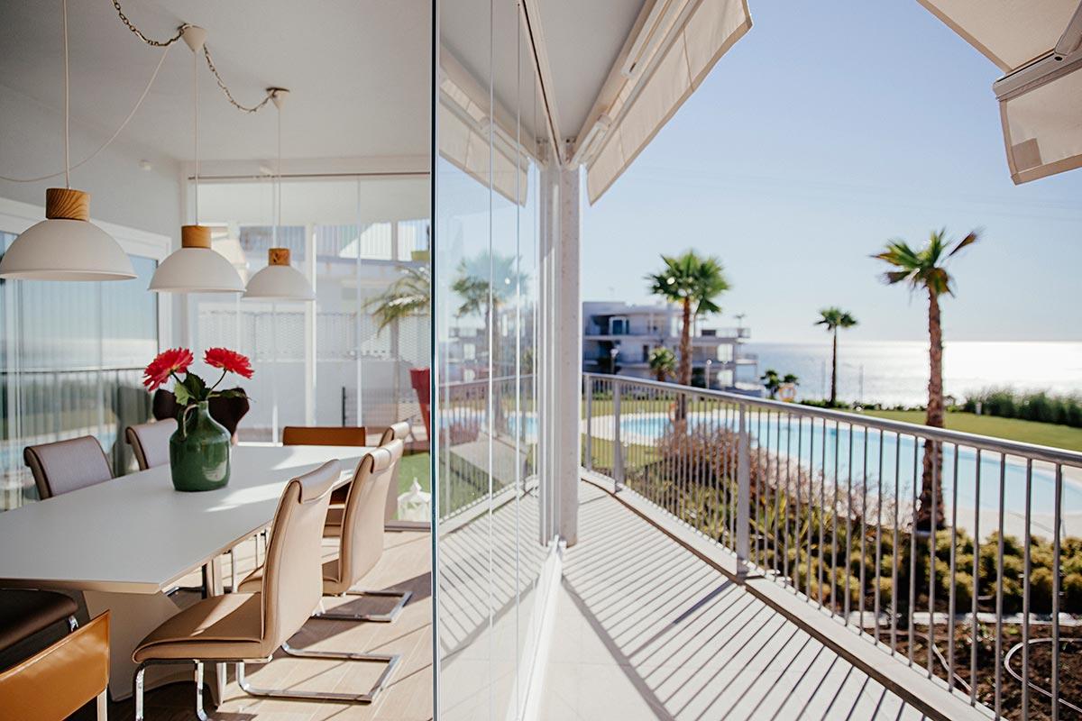 Cortinas de cristal recrea tu hogar con luz natural veredes for Cortina cristal terraza