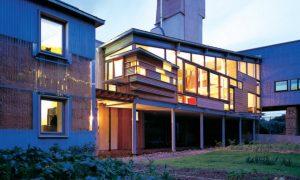 La biblioteca en forma de torre provoca una ventilación de aire fresco | Fotografías: Paul Smoothy