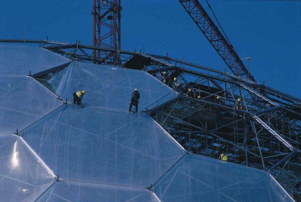 El Proyecto Edén (1996 – 2001) abrió sus puertas al público en el 2000, cuando la prensa lo nominó la Octava Maravilla del Mundo | Fotografía: EdenProject