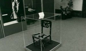 Glen Gould chair | Elías Cueto