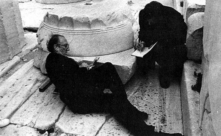 Fco. Javier Sáenz de Oíza en el Partenón, Atenas 1984, revista El Croquis n.32-33, pág. 19 (autor desconocido).