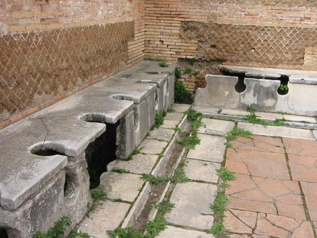Letrinas Comunales en Ostia | Fuente: Wikipedia