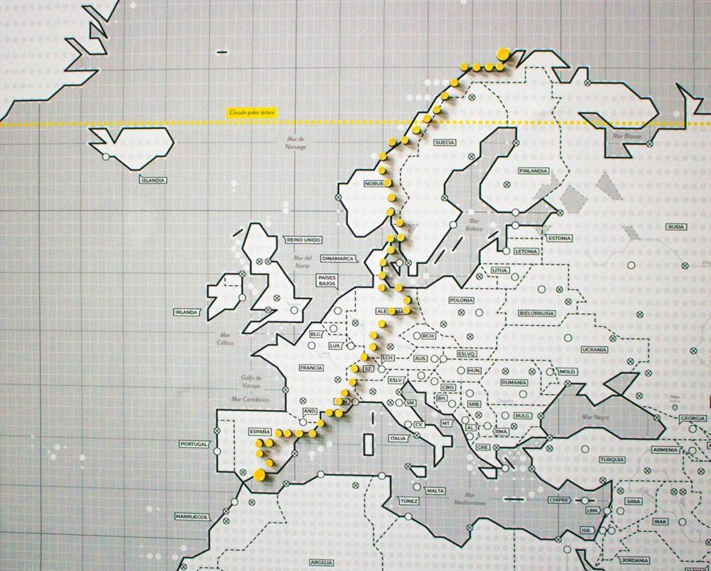 Ejemplo de ruta marcada con imanes en el continente europeo