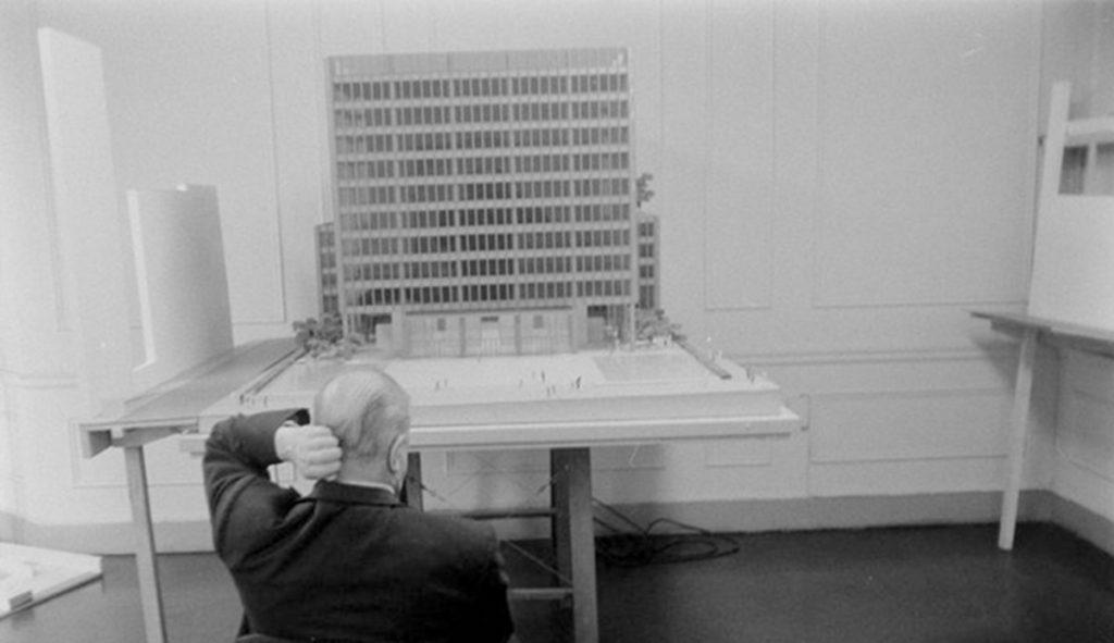 Mies van der Rohe y la maqueta del Seagram