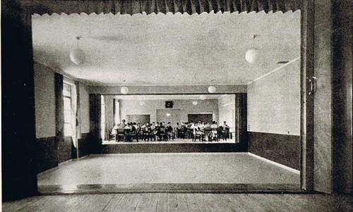 """Instituto Escuela"" de Armiches y Domínguez, 1935"