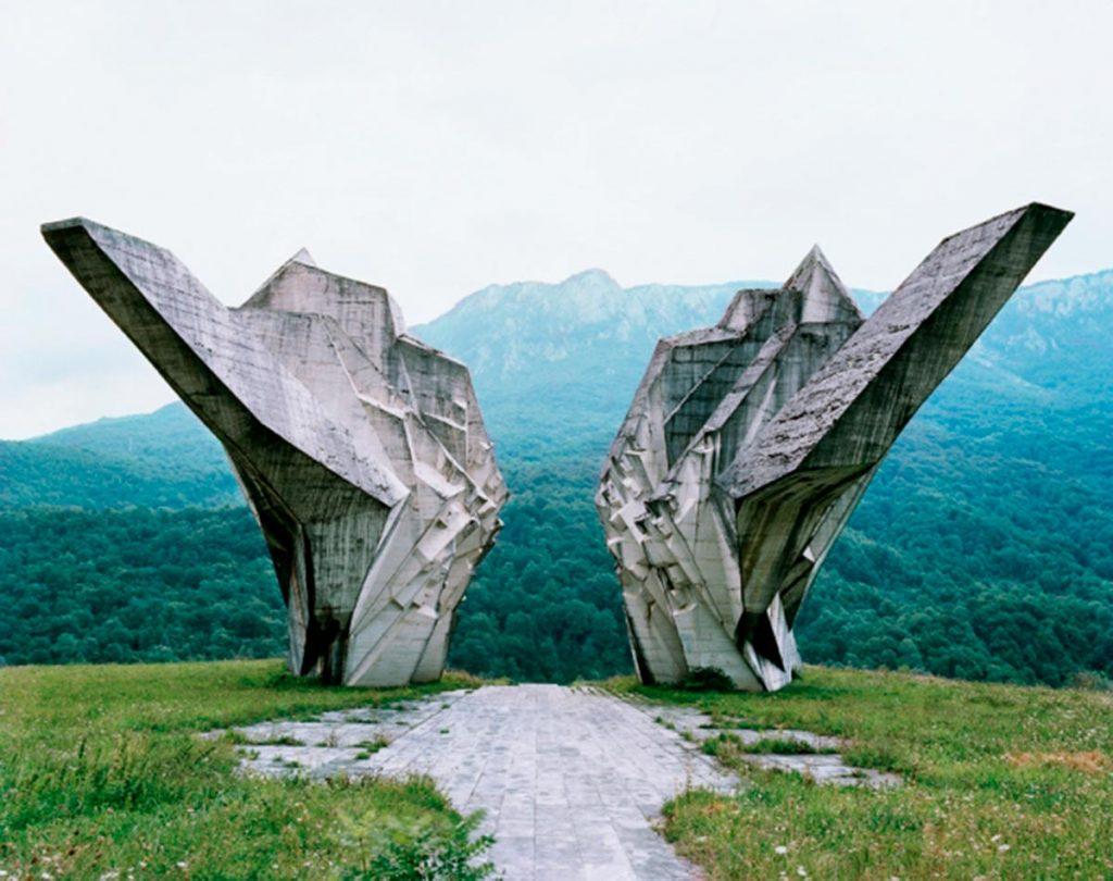 Monumento a la batalla de Sutjeska de Miodrag Živković