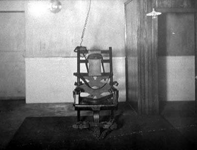 La primera silla eléctrica, usada en la ejecución de William Kemmler en 1890 | Fuente: wikipedia.org