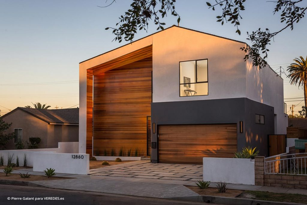 Admiral House Molina Designs + L.A Green Designs o1