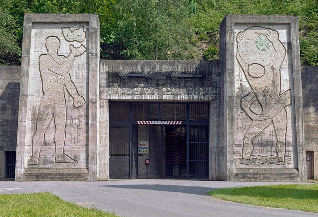 Joaquín Vaquero Palacios, integración artística en la Central hidroeléctrica de Salime (Asturias), 1954-1980. © Joaquín Vaquero Palacios, VEGAP, Madrid, 2018© Fotografía: Luis Asín