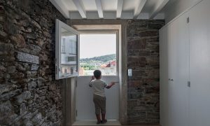 Rehabilitation of one-family housing in Pontedeume's Historical Hull | Jorge Salgado Cortizas