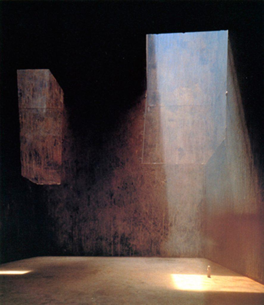 Propuesta de E. Chillida, para la intervención en Tindaya, la antigua montaña sagrada de los Guanches (primitivos habitantes) en la isla de Fuerteventura. Islas Canarias, Spain 1985.