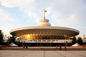 Circo de Ashgabat de 1978, arq. Arif Zeynalov. reformado en 2008