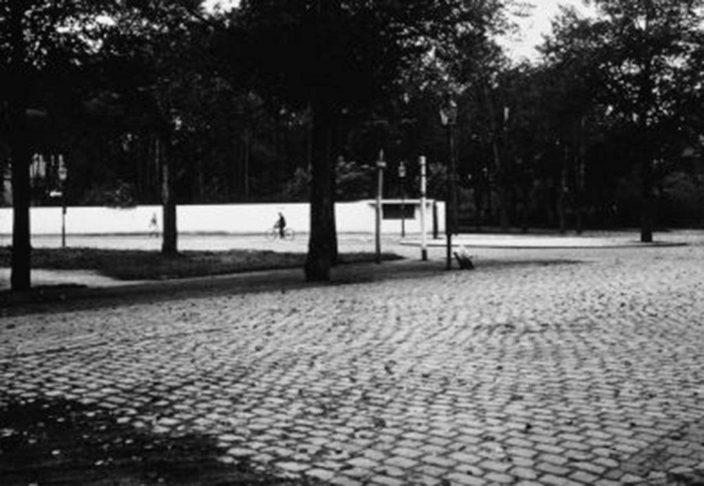Trinkhalle ©Fritz Schreiber 1932, ©Bauhaus Dessau Foundation