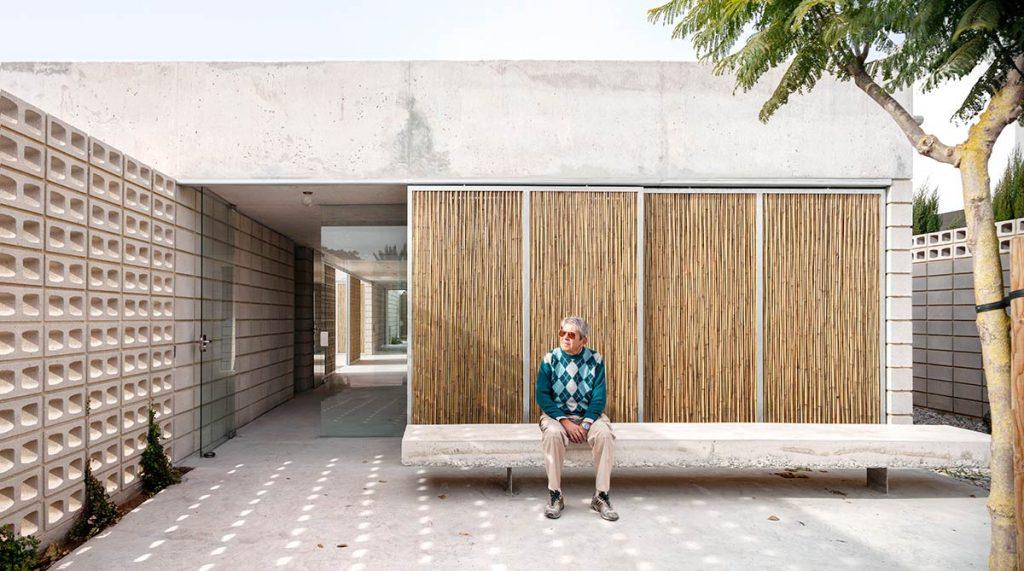 Casa Tino, L'almandrà (Puerto de Sagunto) 2017, del estudio Emac Arquitectura © Milena Villalba