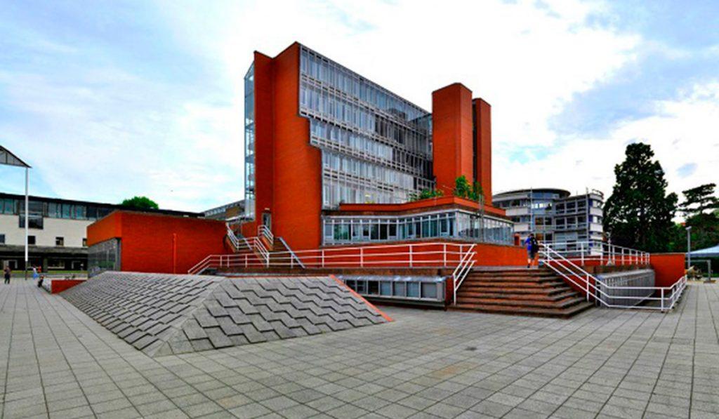 Facultad de Historia, Universidad de Cambridge ©Seier+Seier