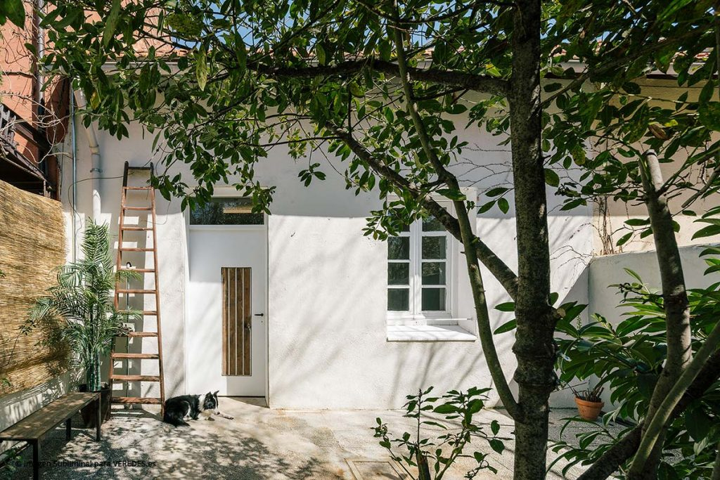 Reforma de una pequeña vivienda en hilera Mendaro Arquitectos o6