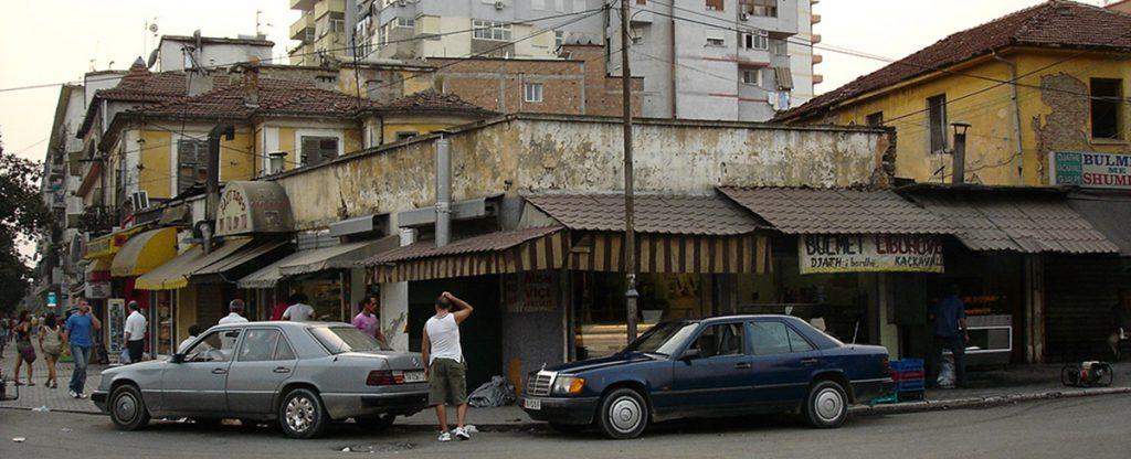 Kioscos ilegales Tirana.
