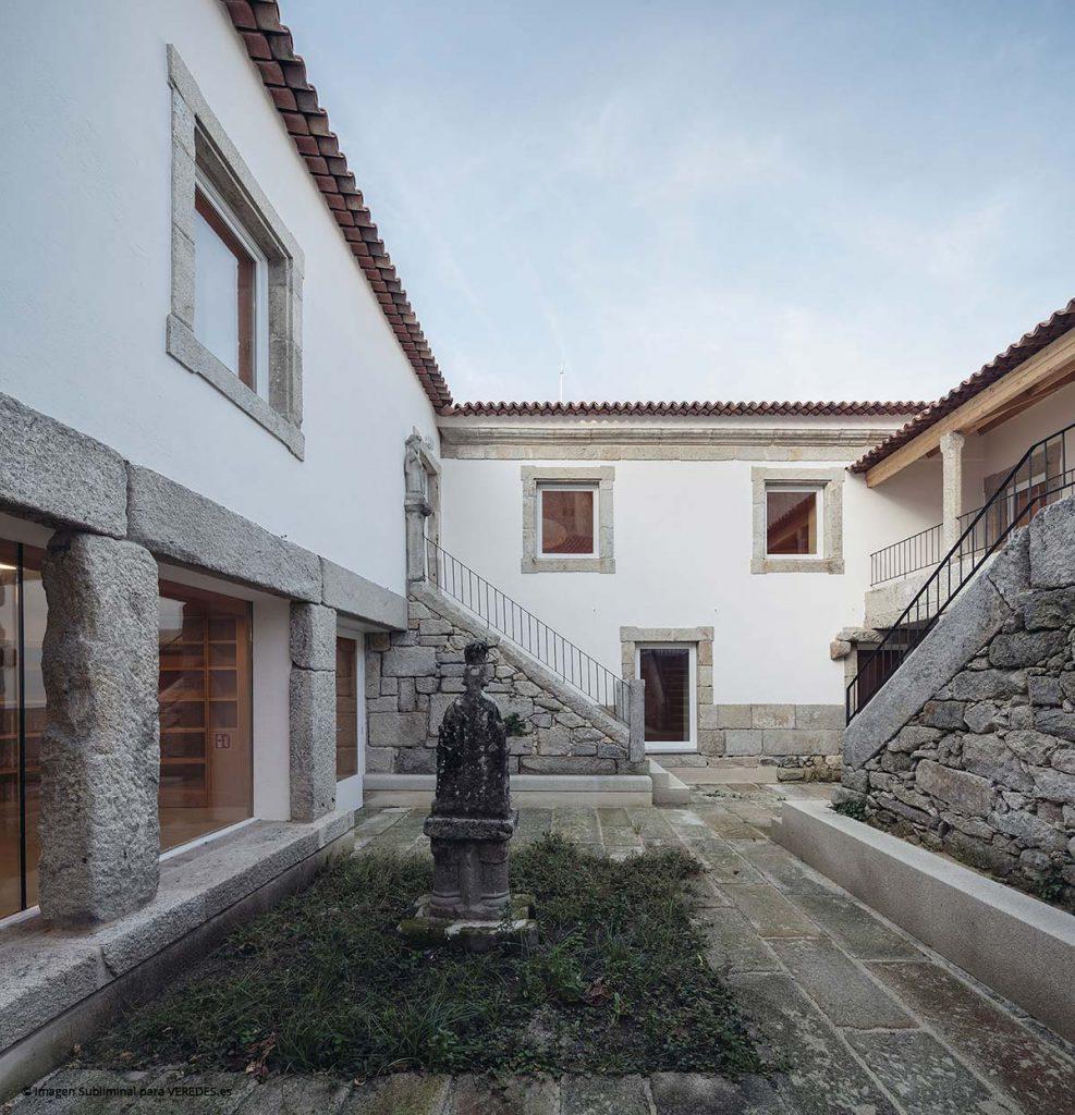 Rehabilitación del antiguo hospital Espíritu Santo para biblioteca municipal y archivo histórico de Baiona Murado & Elvira Architects o19