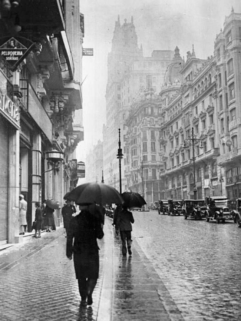 Madrid, Gran Vía, años 30.