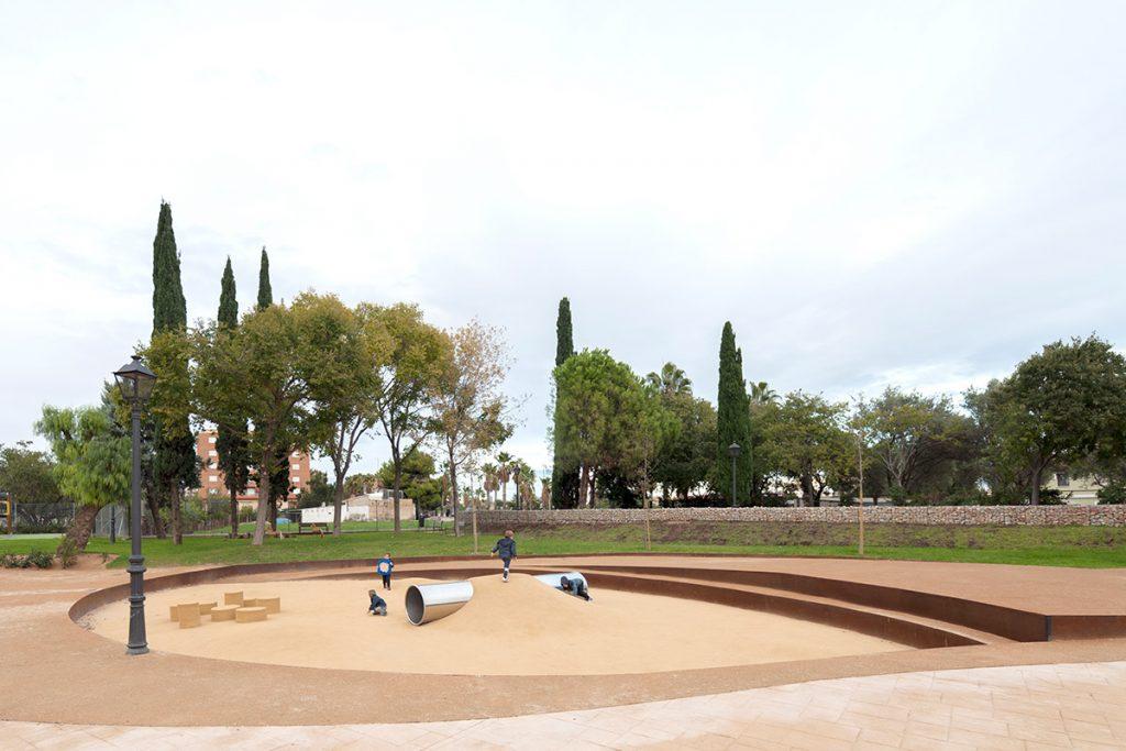 Parque Castellar Oliveral. Paisajes de juego HDH arquitectos o7 ©Milena Villalba