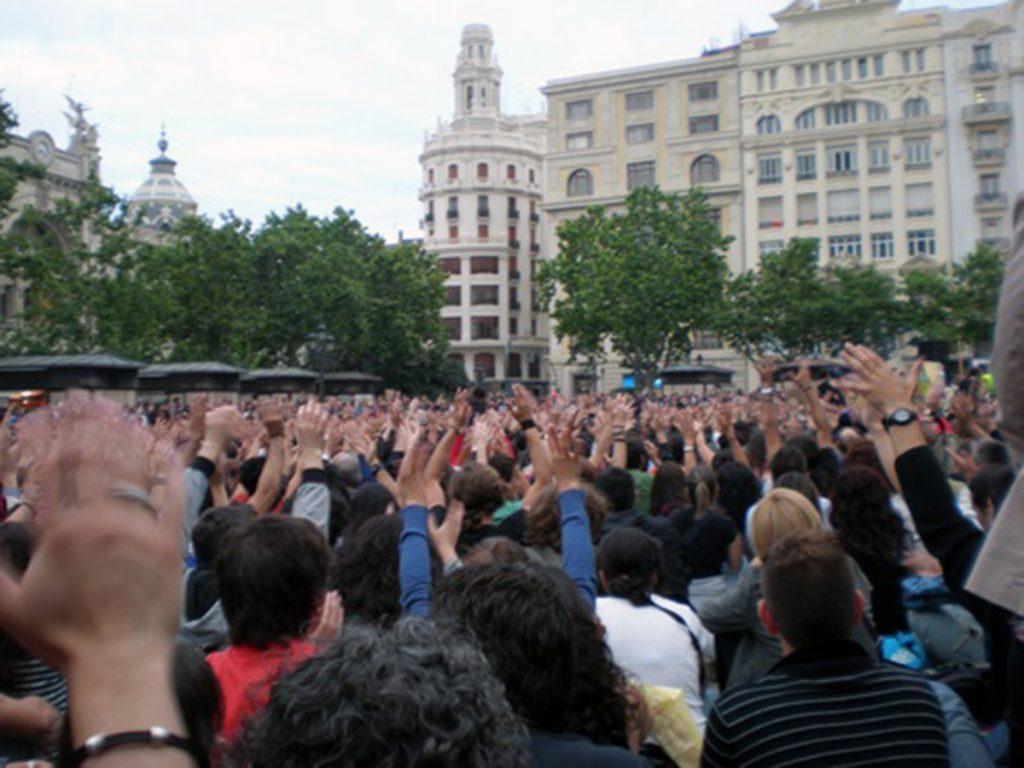 Asamblea en #acampadavalencia | Fotografía: Isabel Montoro