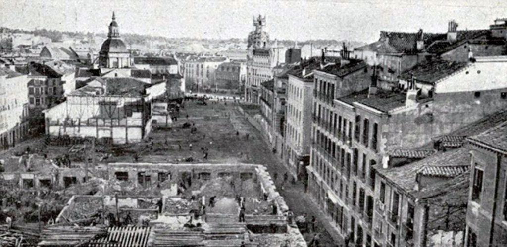 1910. Derribos en la Gran Vía de Madrid